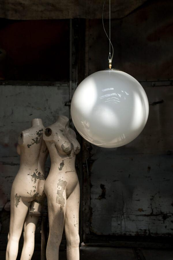 Szklana lampa wisząca ogromna biała kula