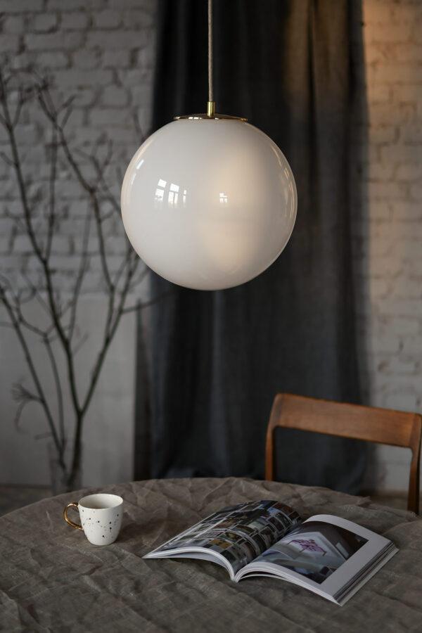 Lampa duża biała kula