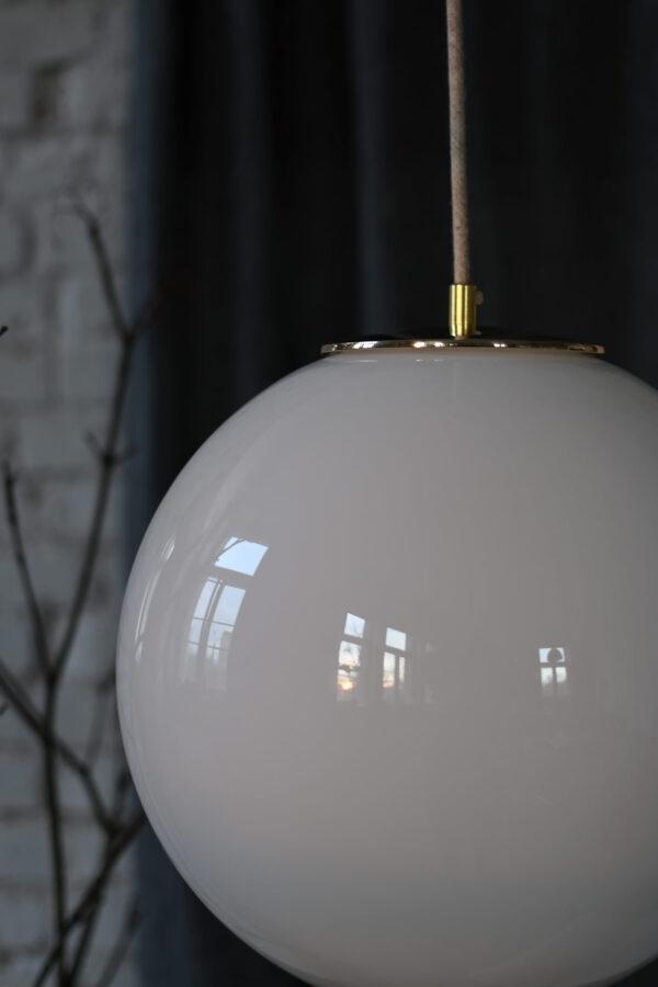 lampa z deklem z litego mosiadzu 2
