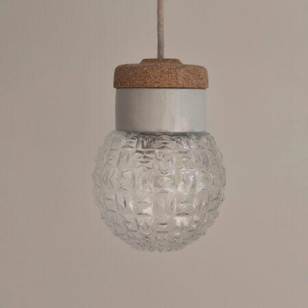 wisząca lampka korkowa z kloszem szklanym Granat
