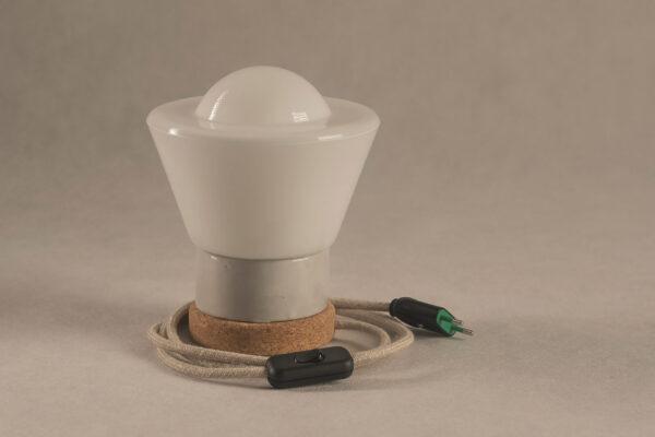 Mała stołowa lampka korkowa ze szklanym kloszem Dzwonek 3