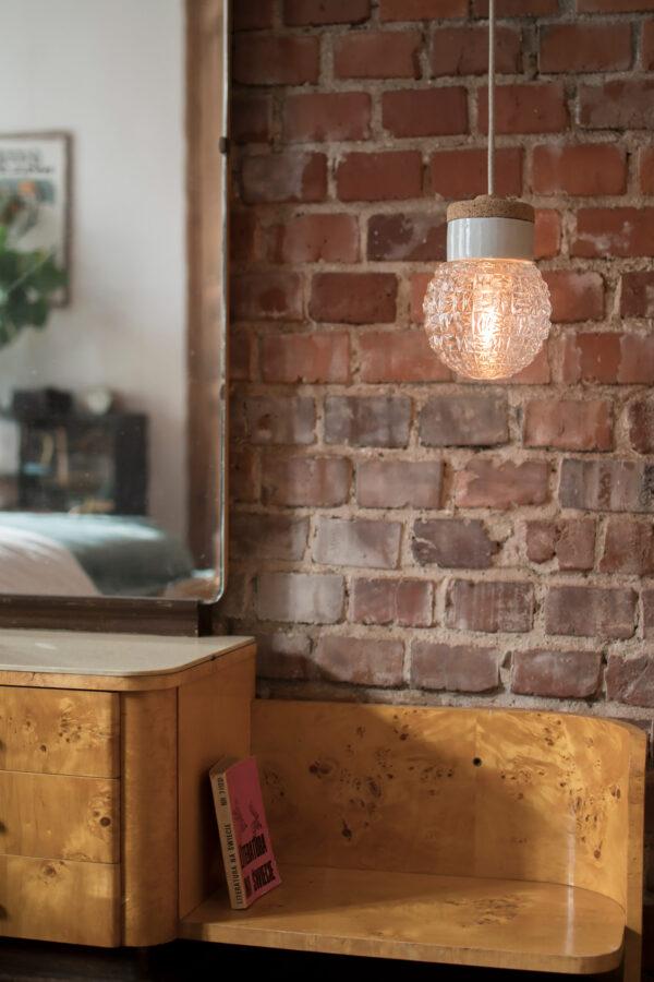 mała wisząca lampa korkowa Granat 4