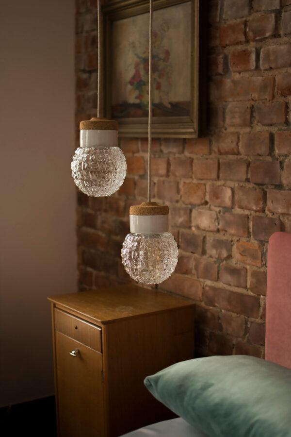 małe wiszące lampki korkowe Granat 2