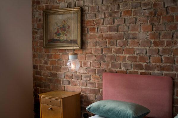 mała wisząca lampa korkowa Granat 3