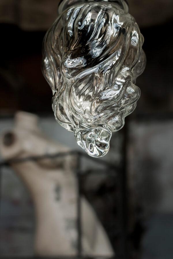 Szklana lampa ręcznie dmuchana